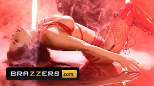 Brazzers – Hot babe Madison Ivy fucked hard in red lingerie